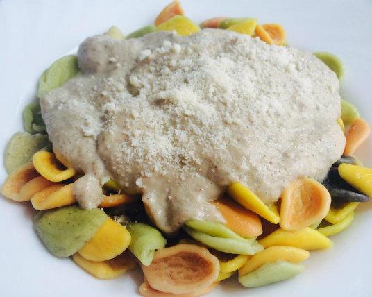 pasta con salsa de puerro y champiñones