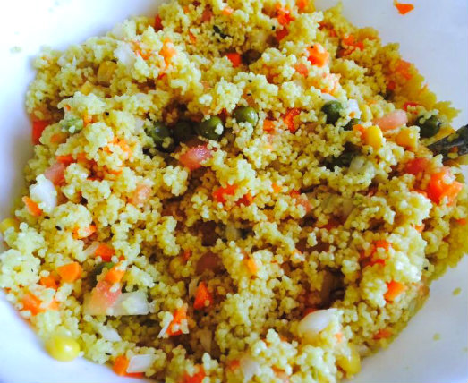 Ensalada de cous cous o tabule vegetariano