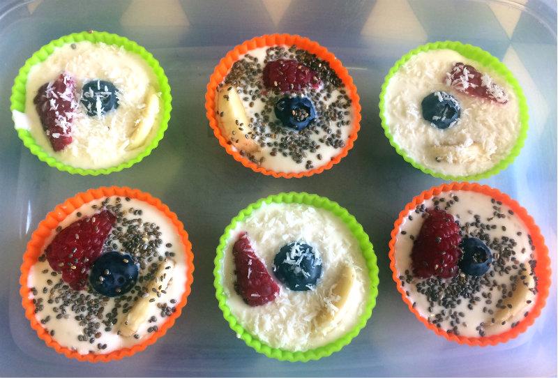 aperitivo saludable de yogur y fruta