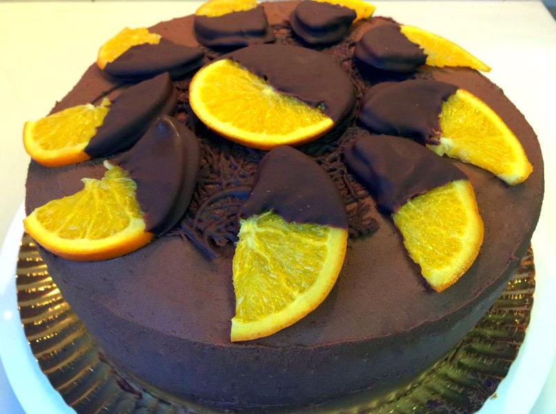 tarta-de-naranja-y-chocolate-con-decoracion